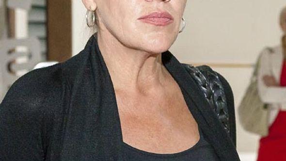Katy Karrenbauer verlässt AWZ wieder - Foto: RTL / Kai Schulz