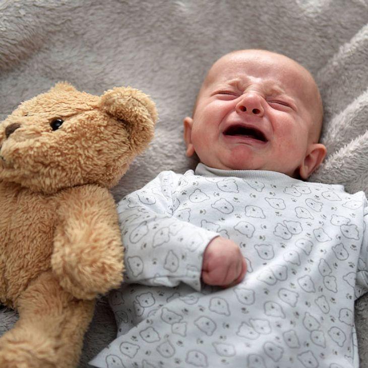 Unfassbar: Mutter verschickt ihr Baby mit der Post!