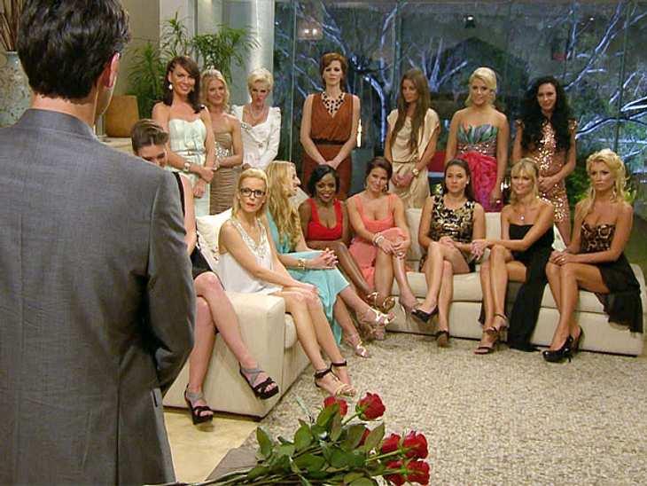 Einige Mädels verschweigen dem Bachelor ihre Vergangenheit...