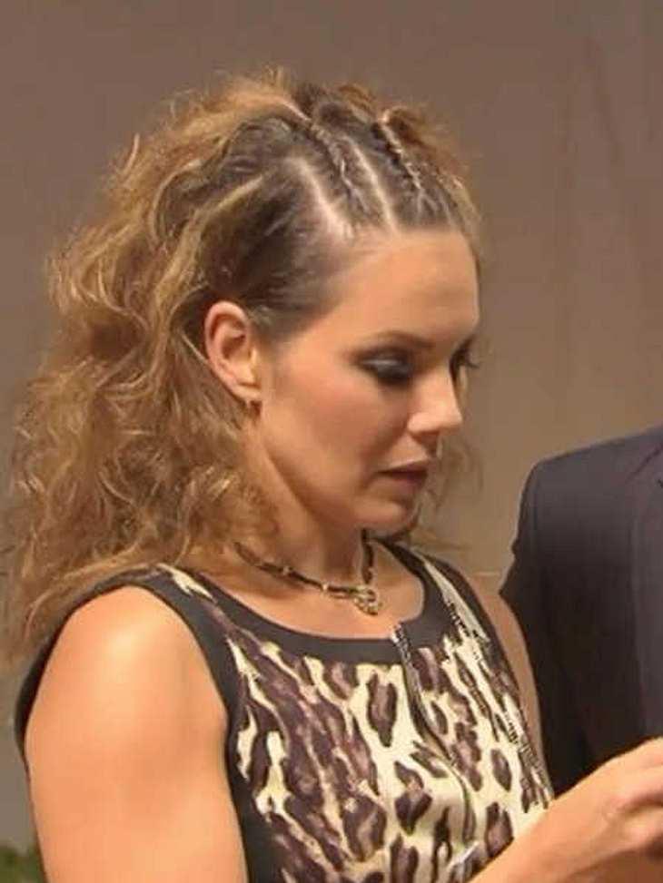 Daniela bekam keine Rose und sagt jetzt dem Bachelor ihre Meinung.