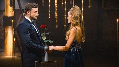 Bachelor Niko und Mimi im Finale - Foto:  TVNOW