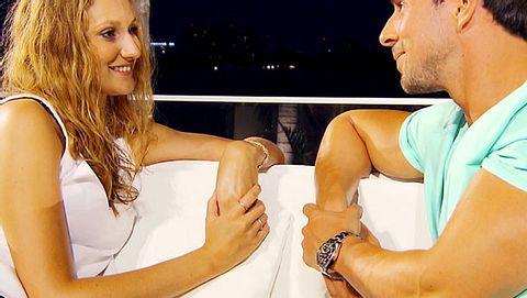 Der Bachelor: Will Leonie Rosella nur ins Fernsehen? - Foto: RTL