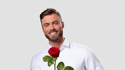Der Bachelor Niko Griesert: Erster Kuss - Foto: TVNOW/ Ruprecht Stempell