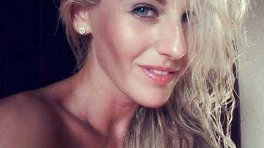 Susi Huber zickt gegen Angelina Heger - Foto: Facebook / Susi - Der Bachelor 2014