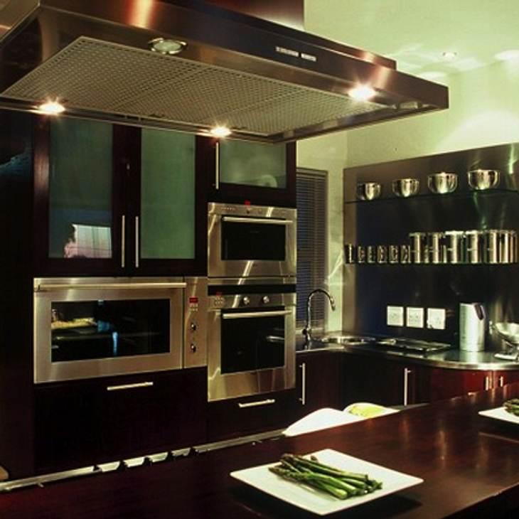 """""""Der Bachelor"""" 2013 - Ein Blick ins Innere der Luxus-VillaDie Küche steht den anderen Zimmern in Sachen Luxus-Ausstattung natürlich in nichts nach. Ob der Bachelor seinen auserwählten Damen hier wohl ein Dinner gezaubert hat?"""