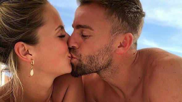 Bachelor-Lina: Frisch verliebt in Profi-Fußballer - Foto: Instagram / linakk