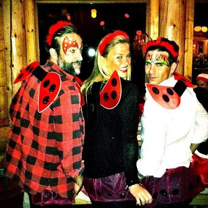 Die schrägsten Halloween-Kostüme der StarsHalloween gilt ja eigentlich als Grusel-Fest. Maikäferchen Bar Refaeli (27) hat da wohl das Thema verfehlt: Furchteinflößend ist dieses Kostüm nämlich nun wirklich nicht...