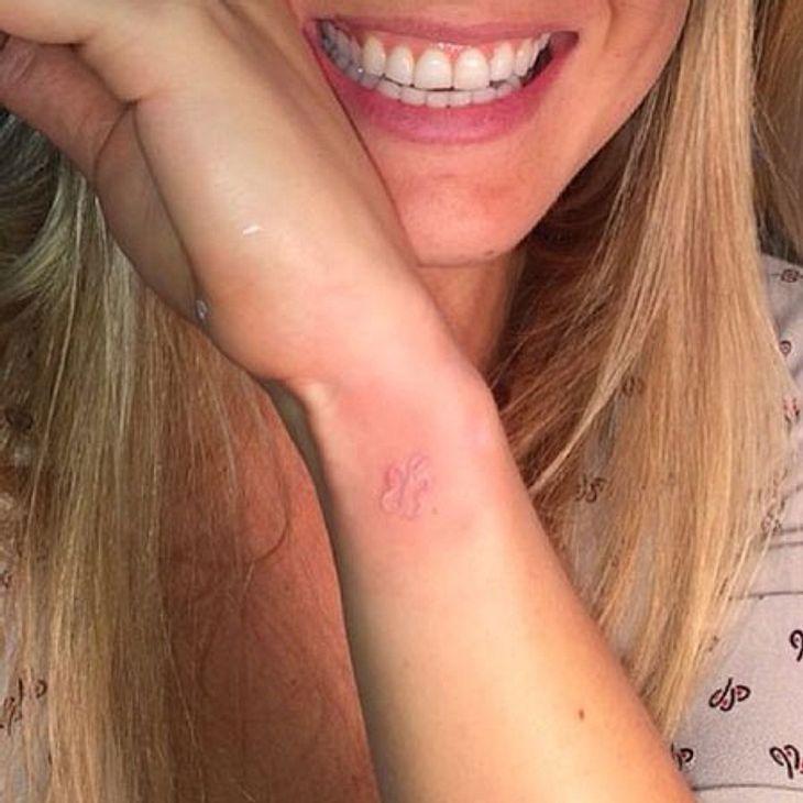 Bar Refaeli zeigt ihr Tattoo