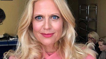 Barbara Schöneberger: Beauty-OP-Schock! - Foto: Facebook/ Barbara Schöneberger