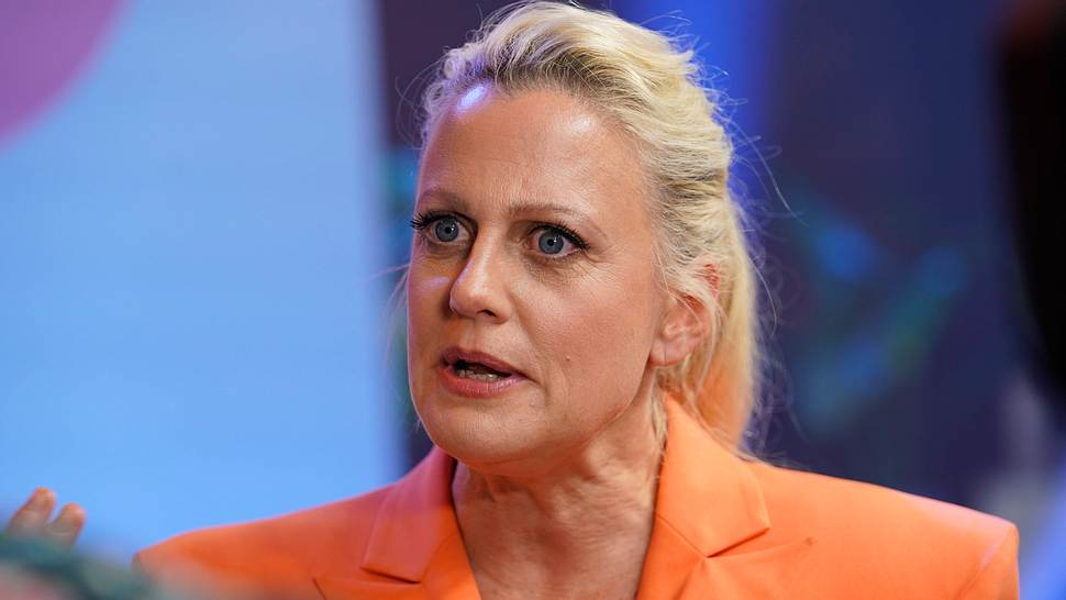 Barbara Schöneberger - Foto: IMAGO / Political-Moments