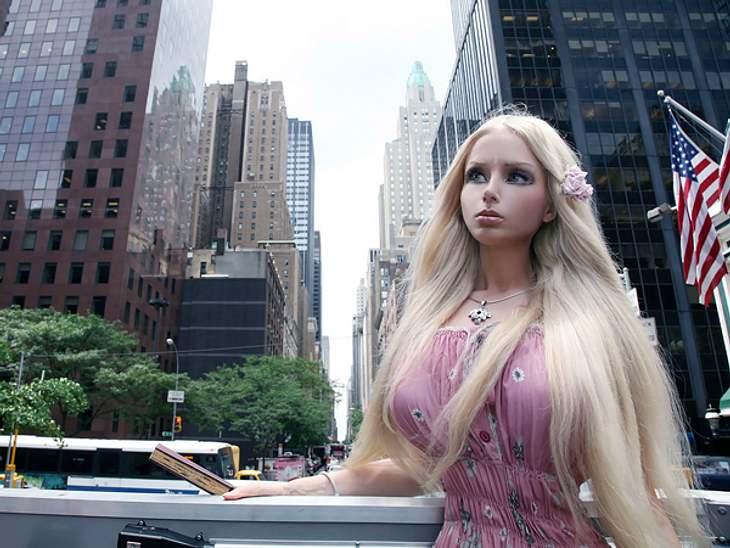 """""""Real Life""""-Barbie Valeria Lukyanova: Schön oder schaurig?Valeria Lukyanova hat angekündigt, in die USA zu ziehen und dort Karriere zu machen."""