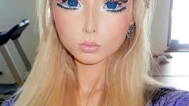 """""""Real Life""""-Barbie Valeria Lukyanova: Schön oder schaurig?Sie verbringt Stunden vor dem Spiegel, um sich mit einem aufwendigen Make-up in eine lebende Barbie-Puppe zu verwandeln. - Foto: Facebook/ Valeria Lukyanova"""