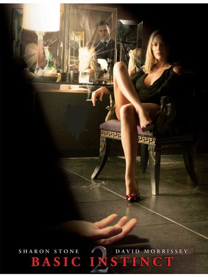 """Achtung, Film-Fortsetzung!Aber manche Schauspieler bekommen einfach nicht genug und so ließ sich Sharon Stone auch zu Teil zwei hinreißen. 2007 - also 14 Jahre nach dem ersten Teil - wurde """"Basic Instinct 2"""" zum Total-Flop. Mit vi"""