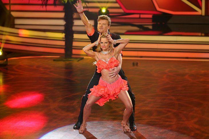 """Bastiaan Ragas mit seiner Tanzpartnerin Sarah Latton bei """"Let's Dance"""""""