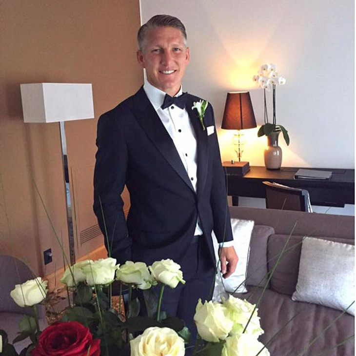 Bastian Schweinsteiger zeigt sich als Bräutigam