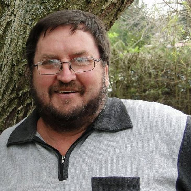 Helmut (58), der herzensgute Hobbybauer aus Sachsen-Anhalt kocht für sein Leben gern.