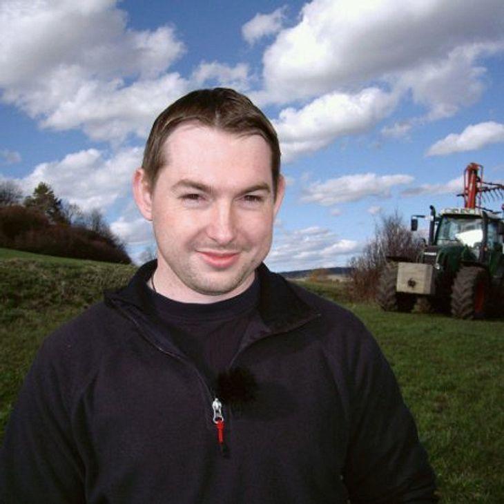 Der motorradbegeisterte Rinderwirt Markus (32) aus Baden-Württemberg ist kein Macho und hofft, eine kinderliebe Frau zu finden.