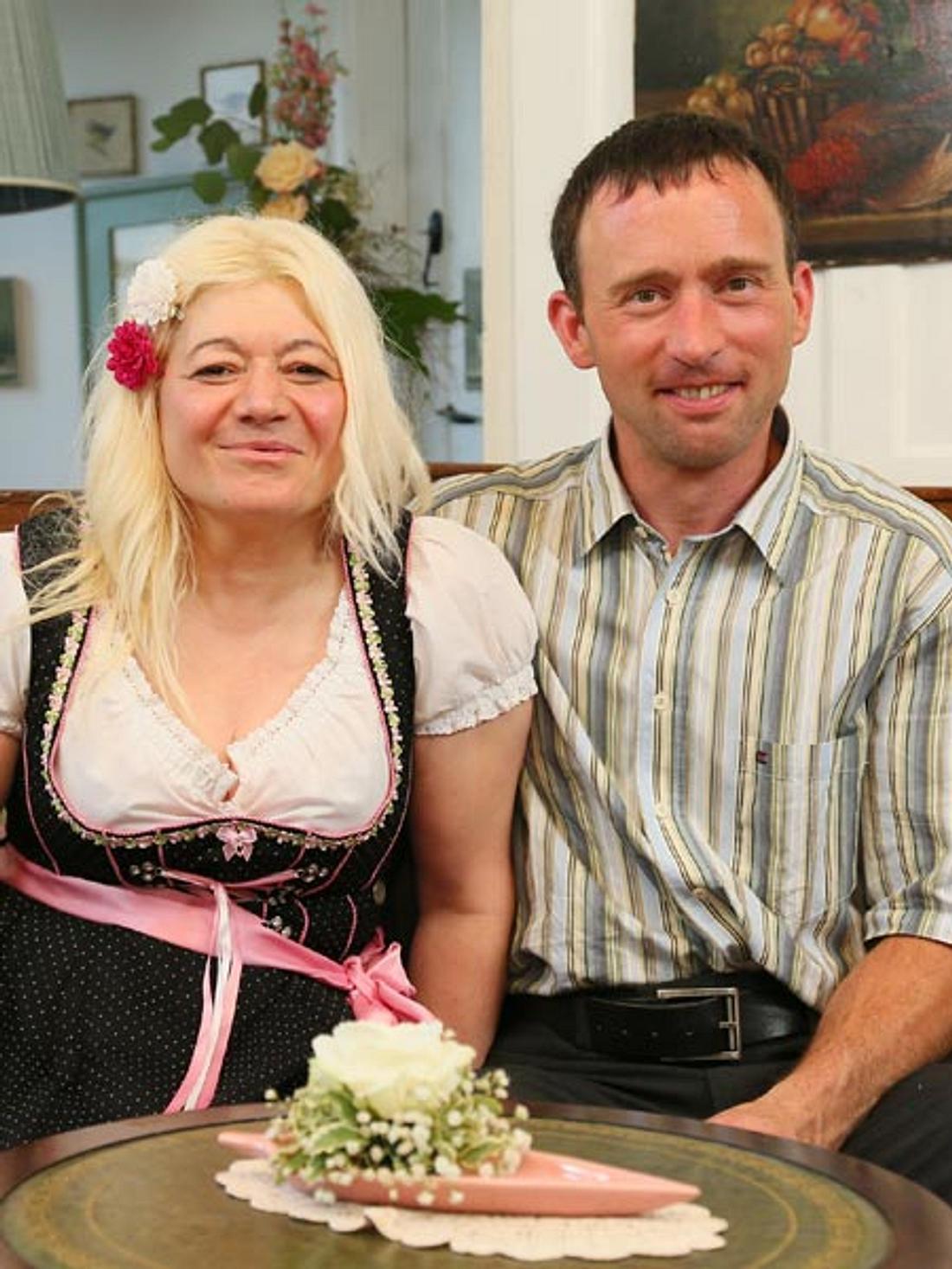 Beim Scheunenfest war zwischen Rainer und Heike noch alles in Ordnung.