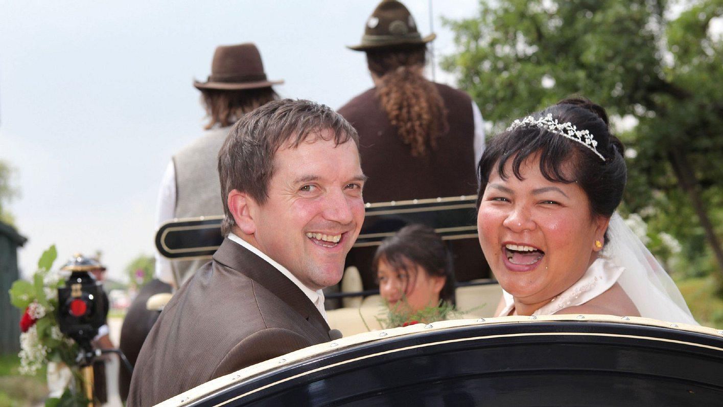 Josef und Narumol heirateten 2010 bei Bauer sucht Frau