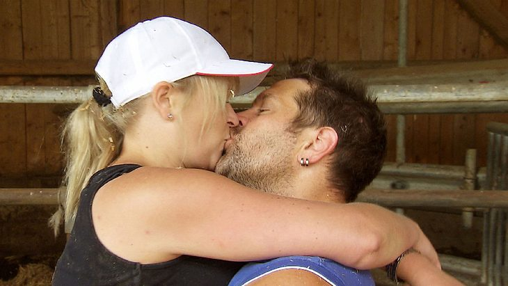 Bauer Sucht Frau Der Erste Kuss Bei Diesem Paar Ist Es Soweit