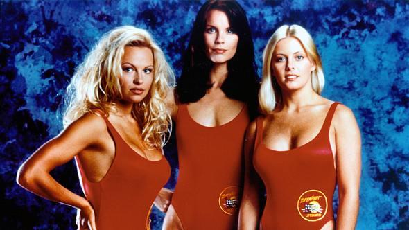 Nicole Eggert mit Pamela Anderson und Alexandra Paul in Baywatch 1993 - Foto: Wenn