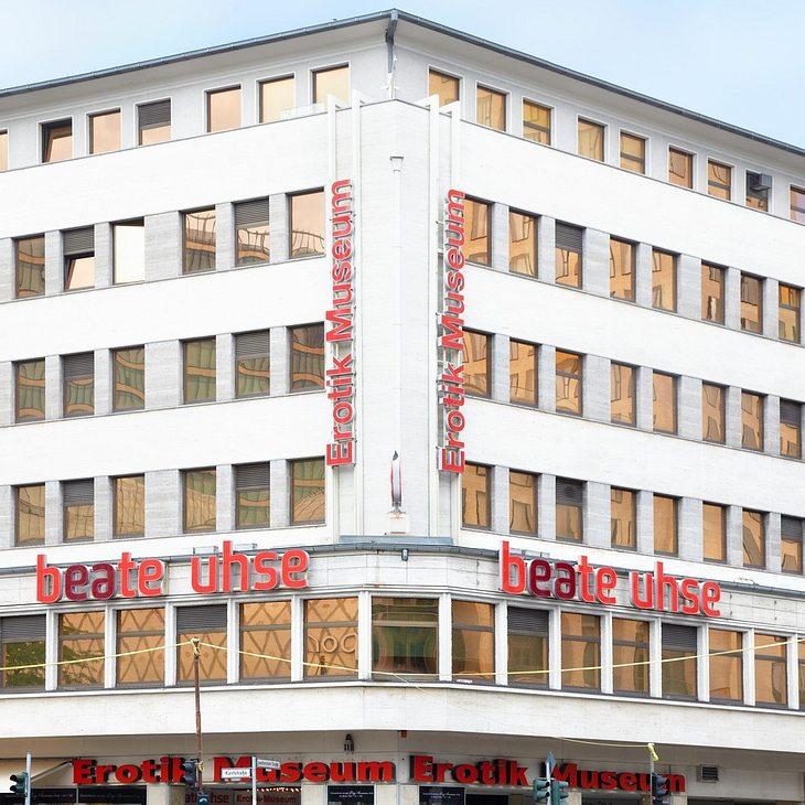 Beate Uhse: Der Erotikhändler ist pleite!
