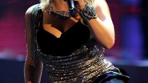 Beatrice Egli singt im DSDS-Finale einen Song von Dieter Bohlen - Foto: Getty Images