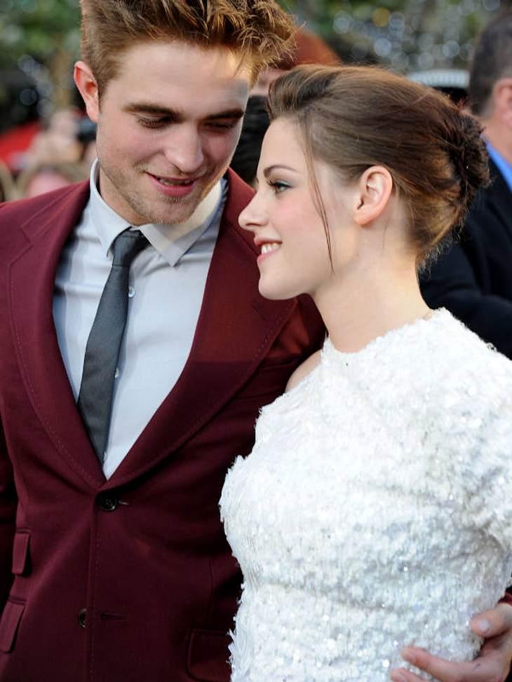 """Kristen Stewart & Robert Pattinson: Ihr verrücktes JahrFebruar: Während Robert Pattinson im Februar noch die """"arbeitslose"""" Zeit nach den """"Breaking Dawn""""-Dreharbeiten genießt, dreht Kristen bereits einen Film nach dem"""