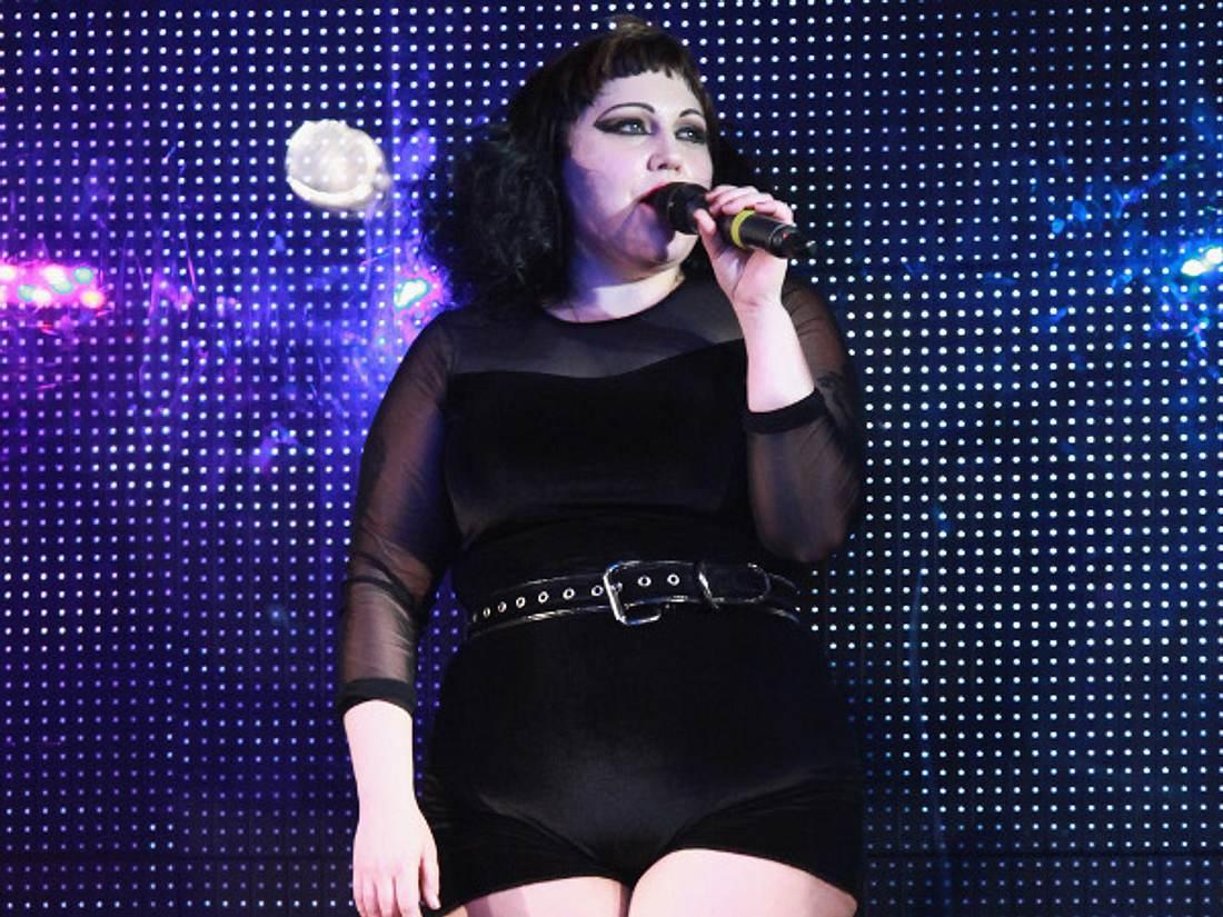 Die Sängerin hat einige Kilos gelassen.