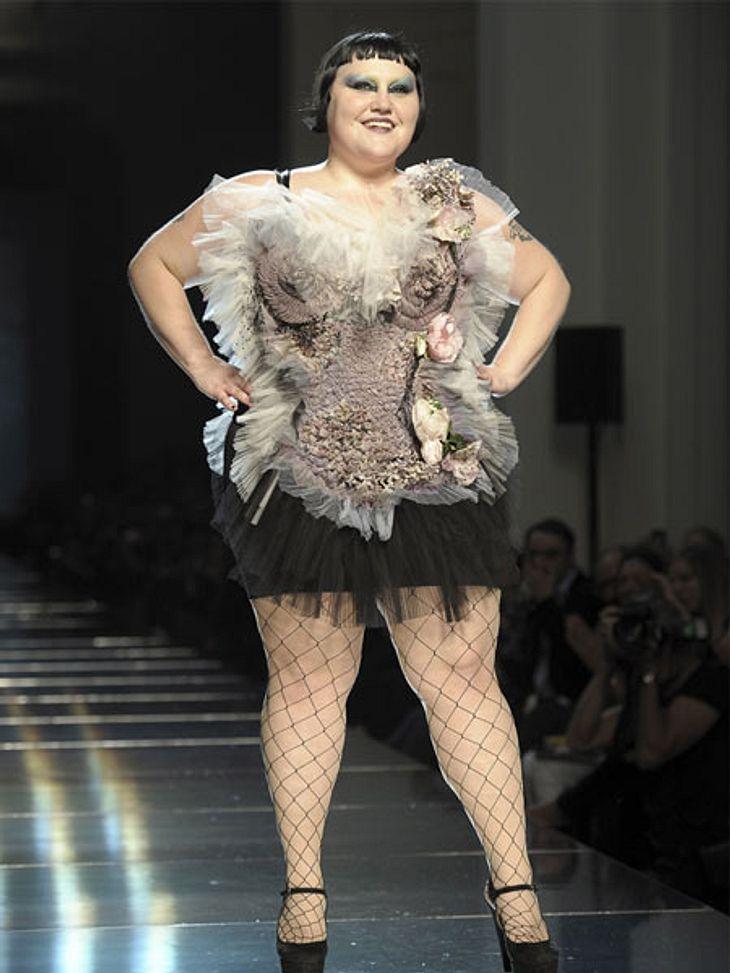 Der Look von Beth DittoVon wegen Magermodels sind in: Karl Lagerfeld (78, auch wenn es grad Knatsch gibt) und Jean Paul Gaultier (60) nutzen Beth Ditto als Muse oder lassen sie sogar auf den Catwalk.