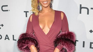 Beyoncé zeigt ihr Mega-Deokolleté - Foto: wenn