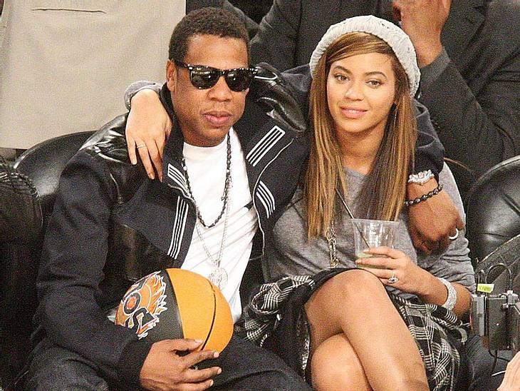"""1. Beyoncé Knowles & Jay-ZBei diesen beiden bekommt der Begriff """"Goldkehlchen"""" eine ganz neue Bedeutung! Beyoncé und Ehemann Jay-Z sicherten sich mit Abstand Platz 1 der Topverdiener unter den Pärchen! Schuld daran: Mega-Hits"""