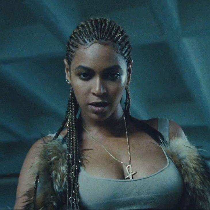 Beyonce zeigt sich in einem neuen Video mit Rastas