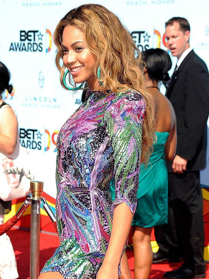 Es weihnachtet sehr: Die Funkel-Fashion der Stars
