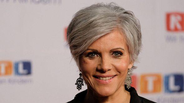 Birgit Schrowange - graue Haarpracht - Foto: Getty Images