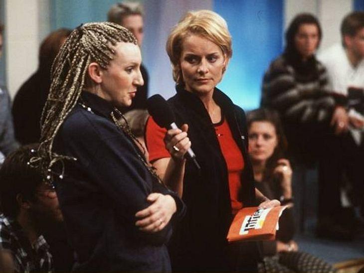 Die Talkshow-Moderatoren der 90erZwei Jahre lang moderierte Birte Karalus die gleichnamige Talkshow. 1998 ging's los. Mit kleineren Moderationsjobs und einem Diätratgeber hielt sich Birte im Gespräch und über Wasser. Seit mehr als zwei Jahr