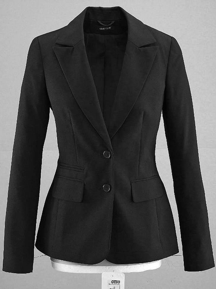 """Der klassisch schwarze Blazer im Boyfriend-Look lässt sich vielseitig kombinieren und sieht nicht nur an Blake umwerfend aus.Ein tolles Basic-Stück für den KleiderschrankErhältlich über """"Otto"""" ca. 50 Euro"""