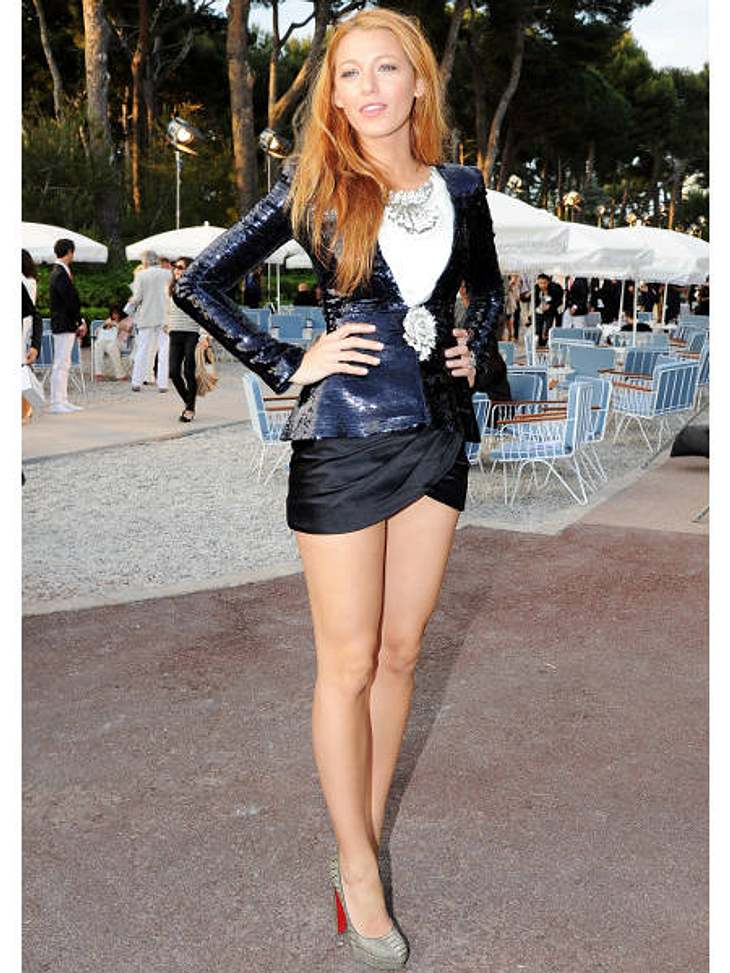 "Der Look von Blake LivelySupersexy im Mini erschien Blake Lively ""Collection Croisiere Show 2011""."