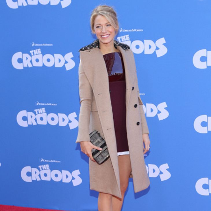 Blake Lively liebt Mäntel in Beige