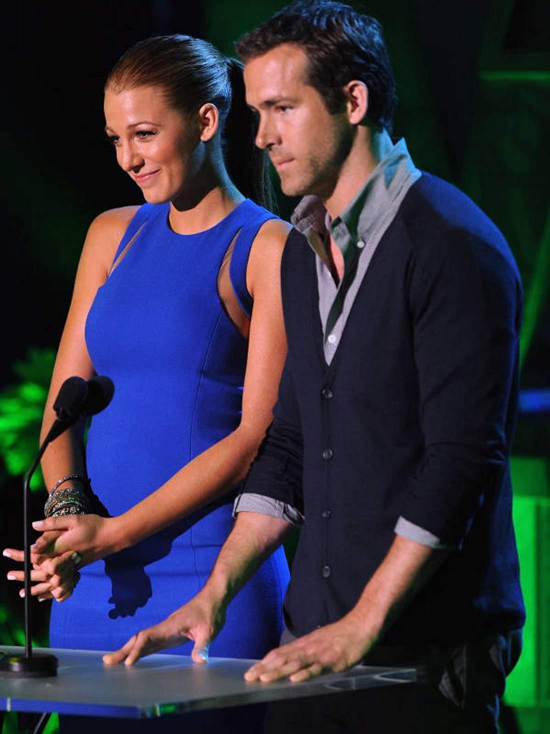 MTV Movie Awards 2011Blake Lively und Ryan Reynolds hielten zusammen eine Laudatio. Wenn Blake nicht gerade mit Leo DiCaprio was am Start hätte, würden die beiden auch ein nettes Paar abgeben.