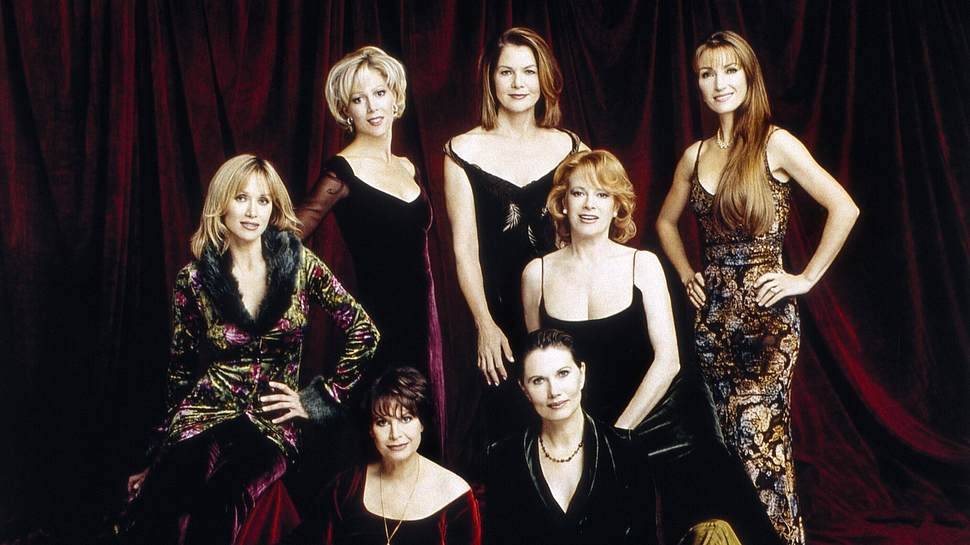 7 Bond Girls - Foto: imago images/Everett Collection