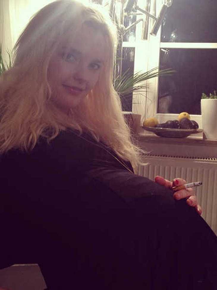 Bonnie Strange schockt ihre Fans mit einem Schwangerschafts-Bild.