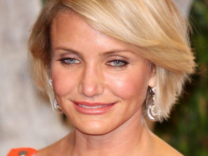"""Botox, Lippen aufspritzen & Co.: Hollywood zeigt sein GesichtKürzlich behauptete Cameron Diaz (39) schon wieder: """"Ich liebe es, älter zu werden. Es ist ein Segen!"""" Dabei sieht man ganz deutlich, dass Cameron Stammgast beim Bea"""