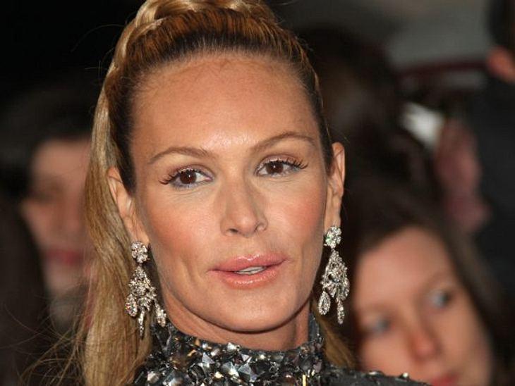 Botox, Lippen aufspritzen & Co.: Hollywood zeigt sein GesichtScheinbar kommt Elle MacPherson (48) mit dem Altern nicht klar. Obwohl die Australierin Eingriffe abstreitet, erkennt sogar der Leihe die Korrekturen sofort. Die Stirn ist mit