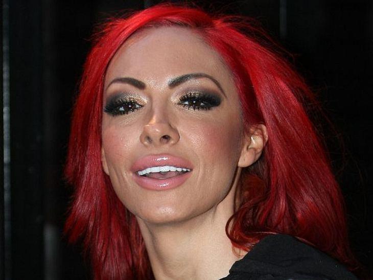 Botox, Lippen aufspritzen & Co.: Hollywood zeigt sein GesichtJodie Marsh (33) ist bekanntlich die größte Konkurrentin von Katie Price (34). Zuerst Busenstar, heute ist sie Bodybuildingverrückt. Außer die großen Brüsten haben Jodie und K