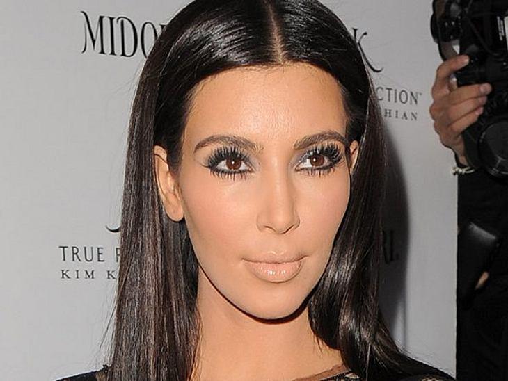 """Kim Kardashian - Die größte Lügnerin HollywoodsLüge - """"Ich habe keinerlei Operationen gehabt."""""""