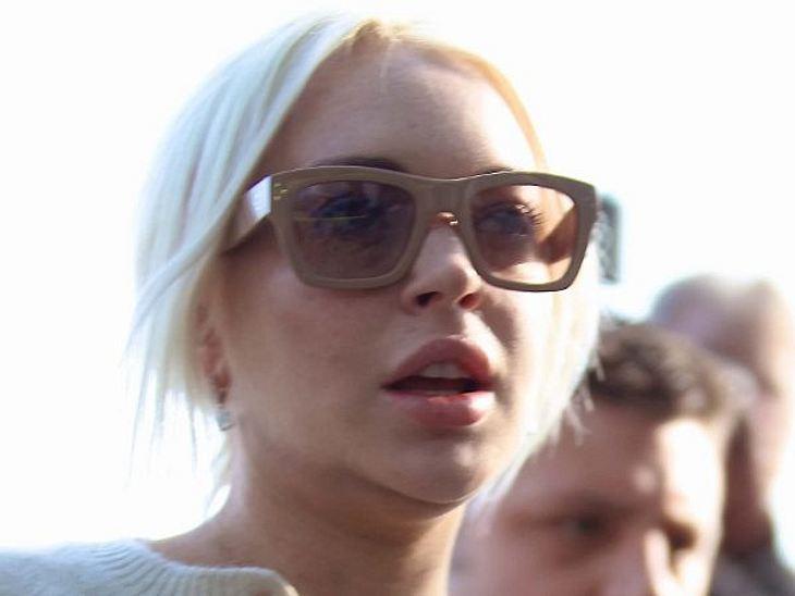Botox, Lippen aufspritzen & Co.: Hollywood zeigt sein GesichtIn den vergangenen drei Jahren versuchte Lindsay immer wieder, per Doc die Spuren ihrer Party- und Drogenexzesse verschwinden zu lassen. Mit dem Ergebnis, dass sie jetzt aufge