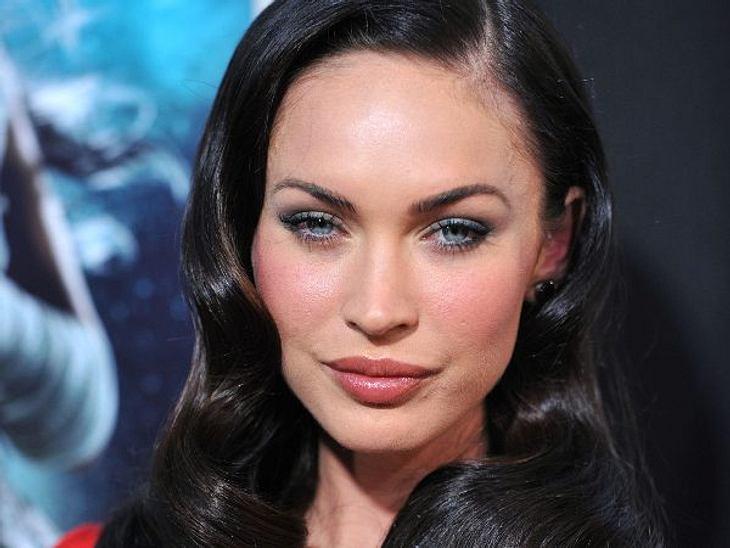 Botox, Lippen aufspritzen & Co.: Hollywood zeigt sein GesichtObgleich Megan Fox (25) eine Naturschönheit war, bestand sie mit gerade mal 17 Jahren darauf, sich die Nase korrigieren zu lassen. Auch vollere Lippen und Wangenimplantate sol