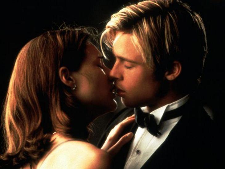 """Brad Pitt & Angelina JolieMit seiner Rolle Joe Black in """"Rendevous mit Joe Black"""" spielte sich Brad Pitt 1998 entgültig in die Herzen der Frauen. 1995 und 2000 wurde Brad Pitt zum """"Sexiest Man Alive"""" gewählt. 2004 wu"""