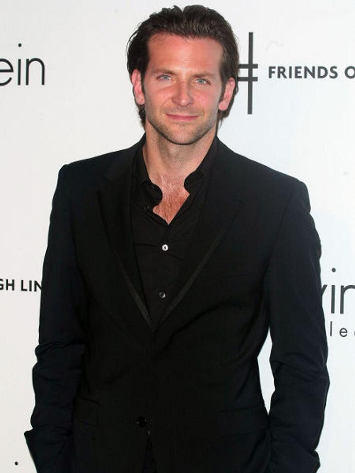 """Bradley Cooper2010 stand er zusammen mit Jessica Biel für """"Das A-Team"""" vor der Kamera."""
